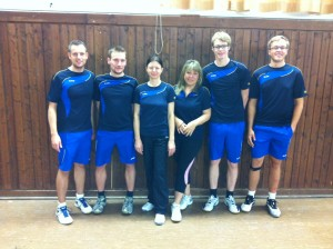 Badminton Mannschaft v.l.: Trainer und Abteilungsleiter Jörg Schnappauf, Stefan Reif-Beck, Martina Karl, Ingrid Vorisek, Jakob Beetz, Christian Weber